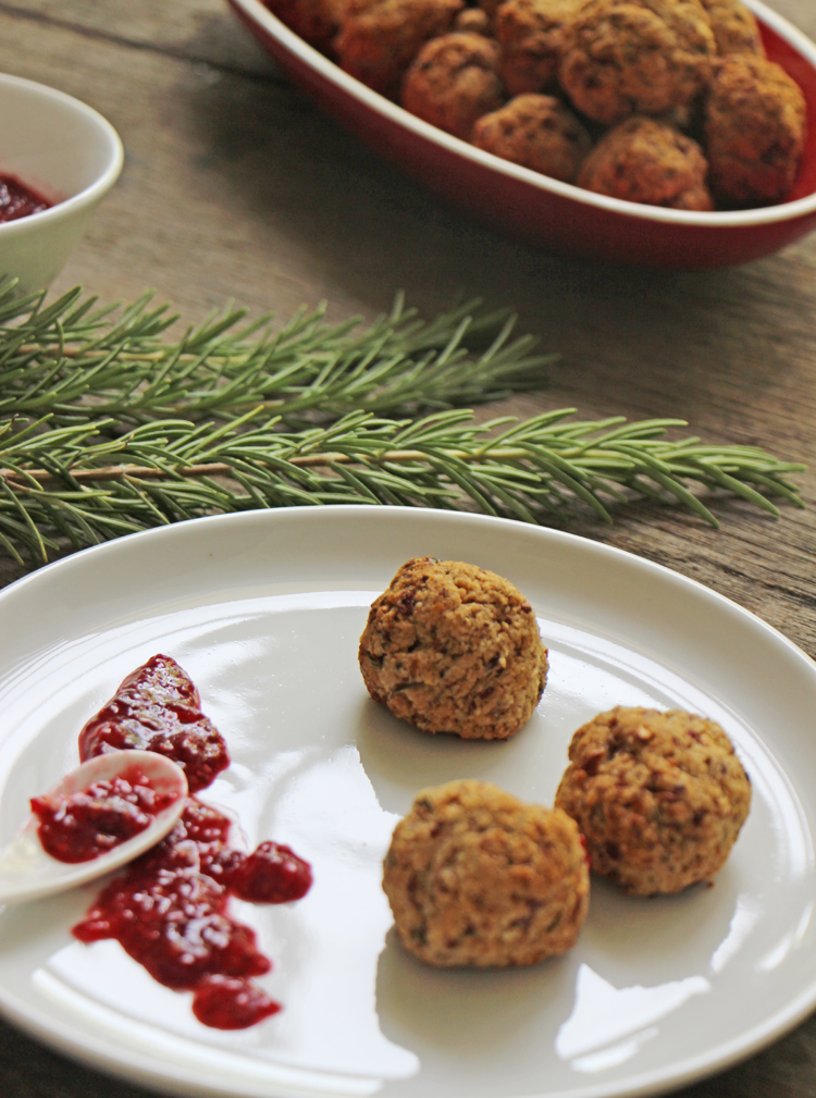 chickpea and cranberry balls | vegan | by Robyn Birkin at Modern Day Missus